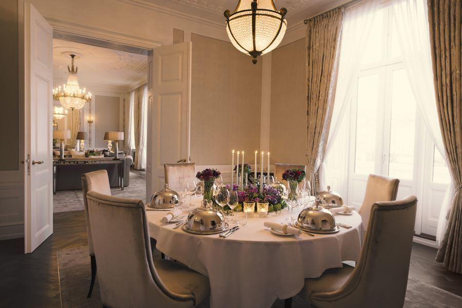 Dinnerroom. Royal Suite LivingroomSH